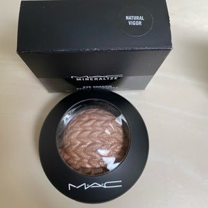 MAC mineralized eyeshadow duo colour NEW